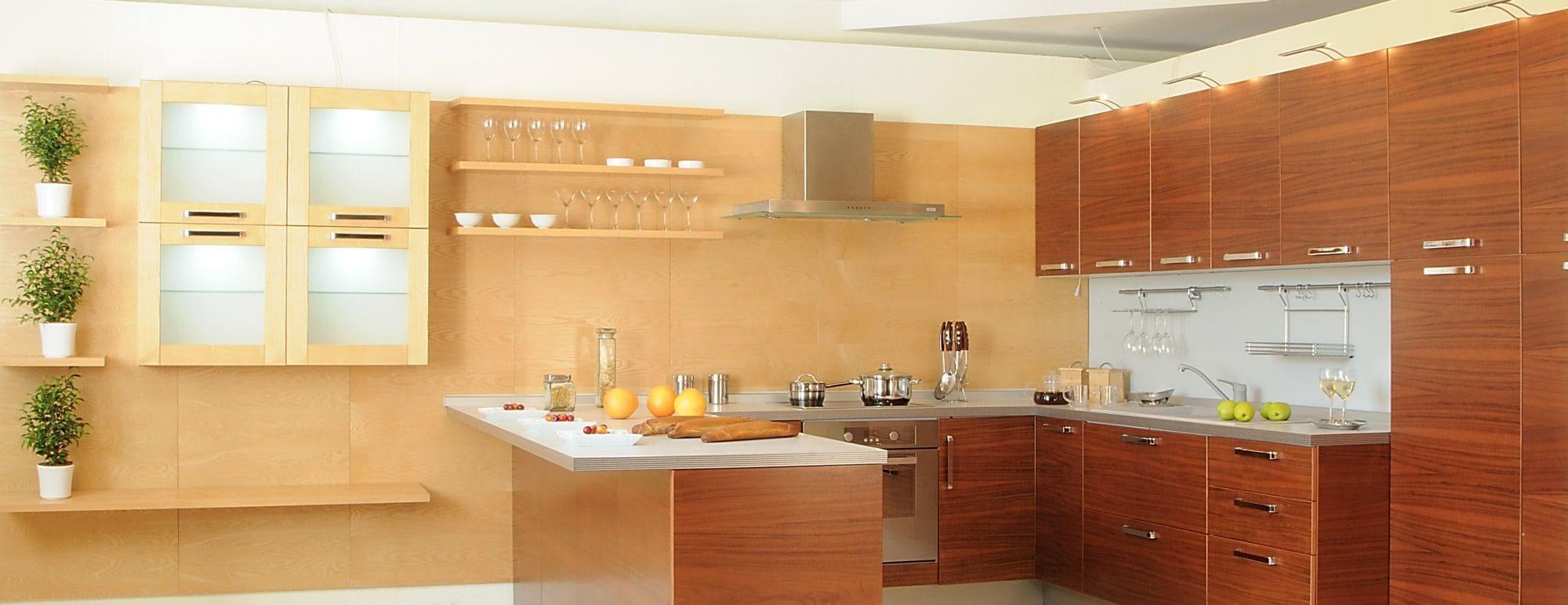 Helle und offene Küche